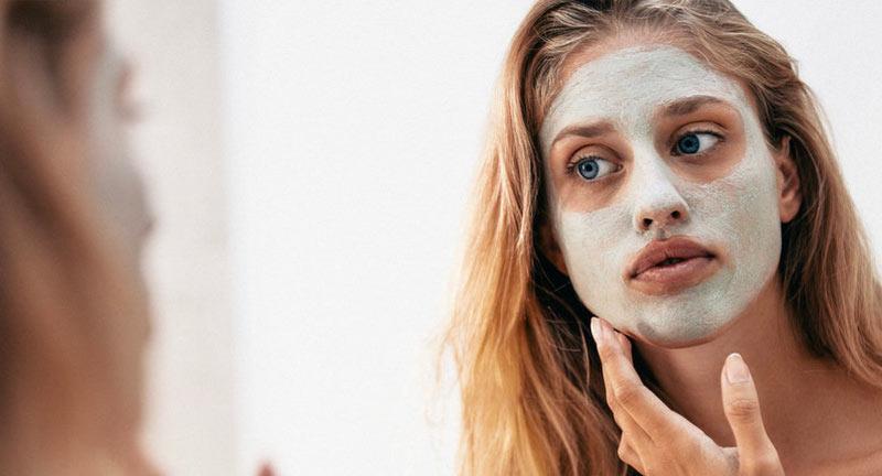 apply face mask skin - راهنمای انتخاب بهترین ماسک صورت